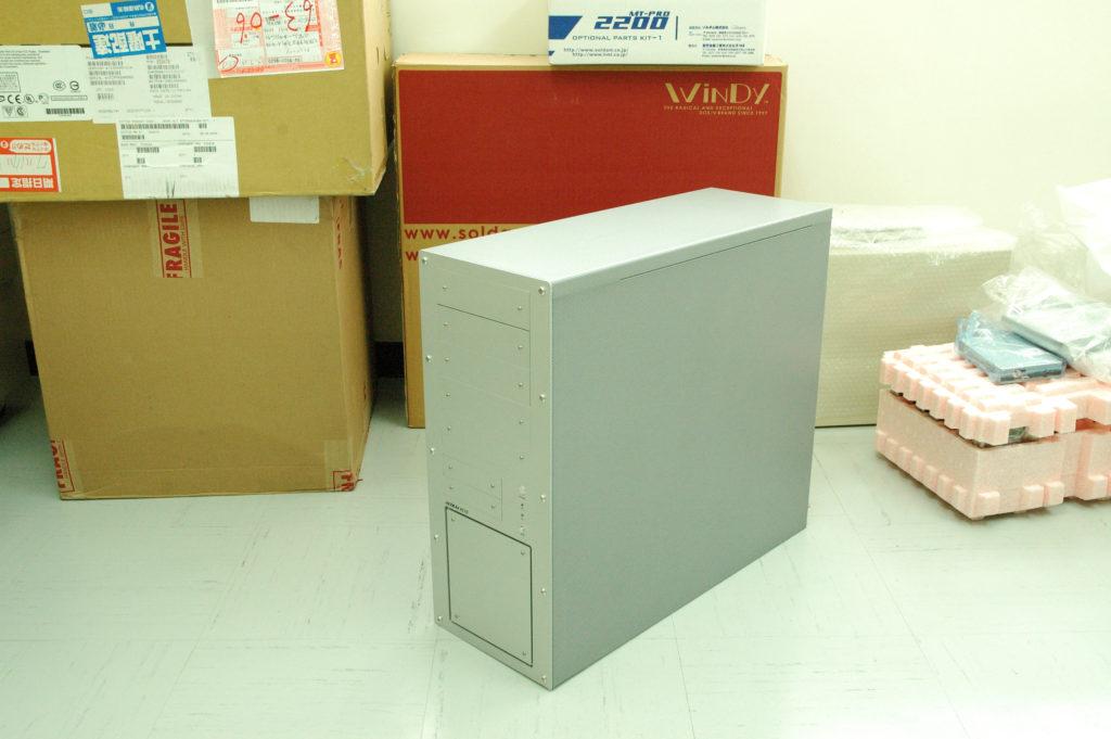 ピンクボックスコンピューター 特注パソコン