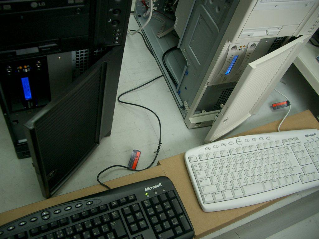 ピンクボックスコンピューター サーバーソリューション インテルシャーシ