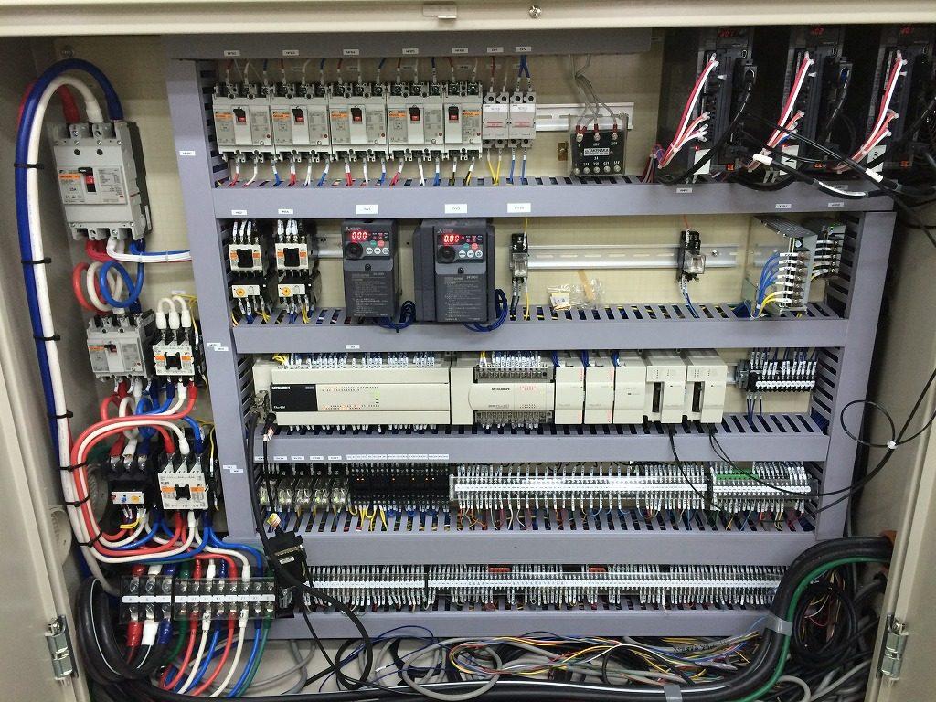 ピンクボックスコンピューター 制御盤の製造